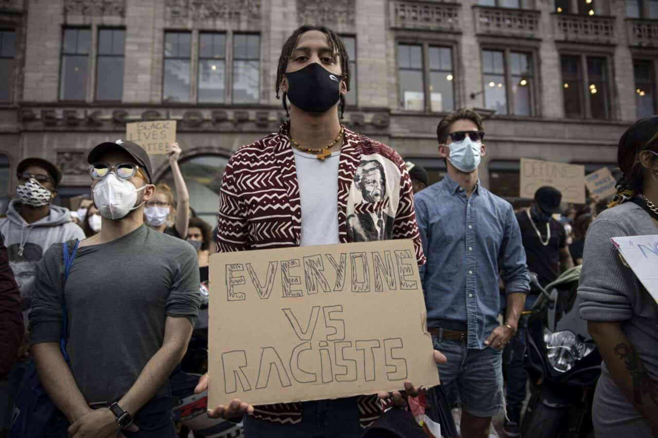 Black-Lives-Matter-demonstratie-Amsterdam-foto-Wouter-Sterrenburg-4-of-10-2000px-1-1280x853