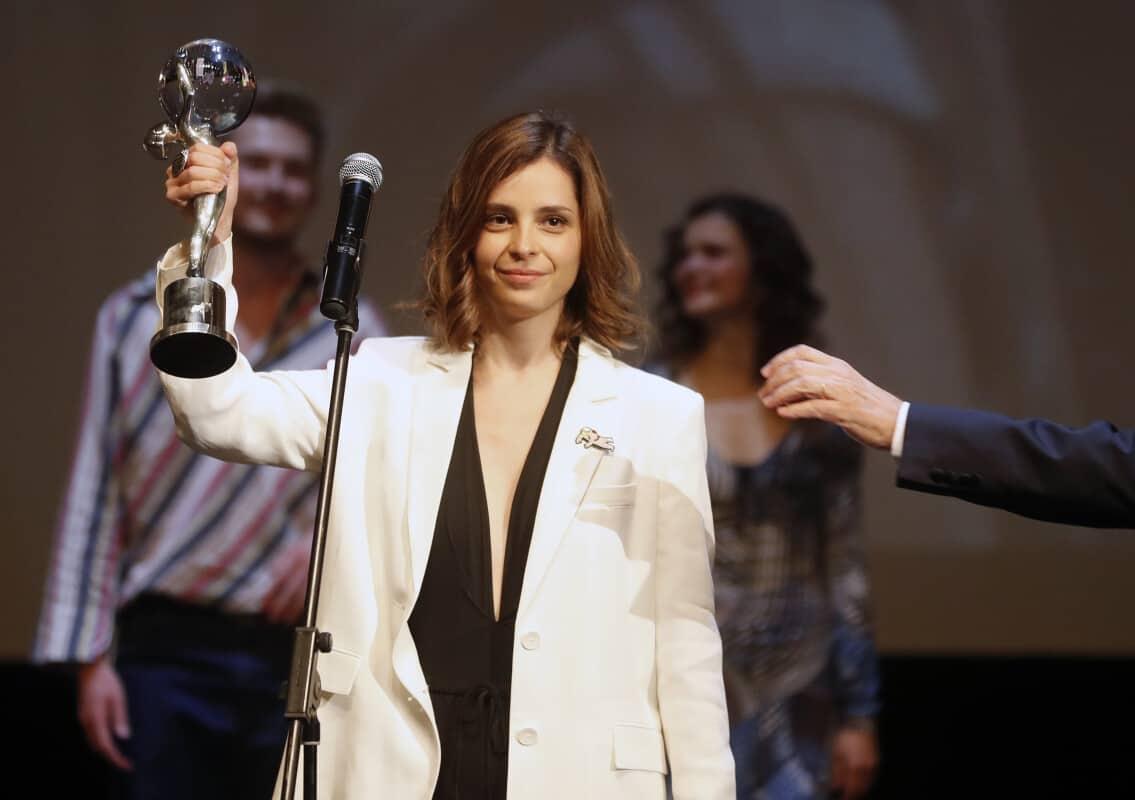 2film-director-dina-duma-film-sisterhood-east-of-the-west-special-jury-prize
